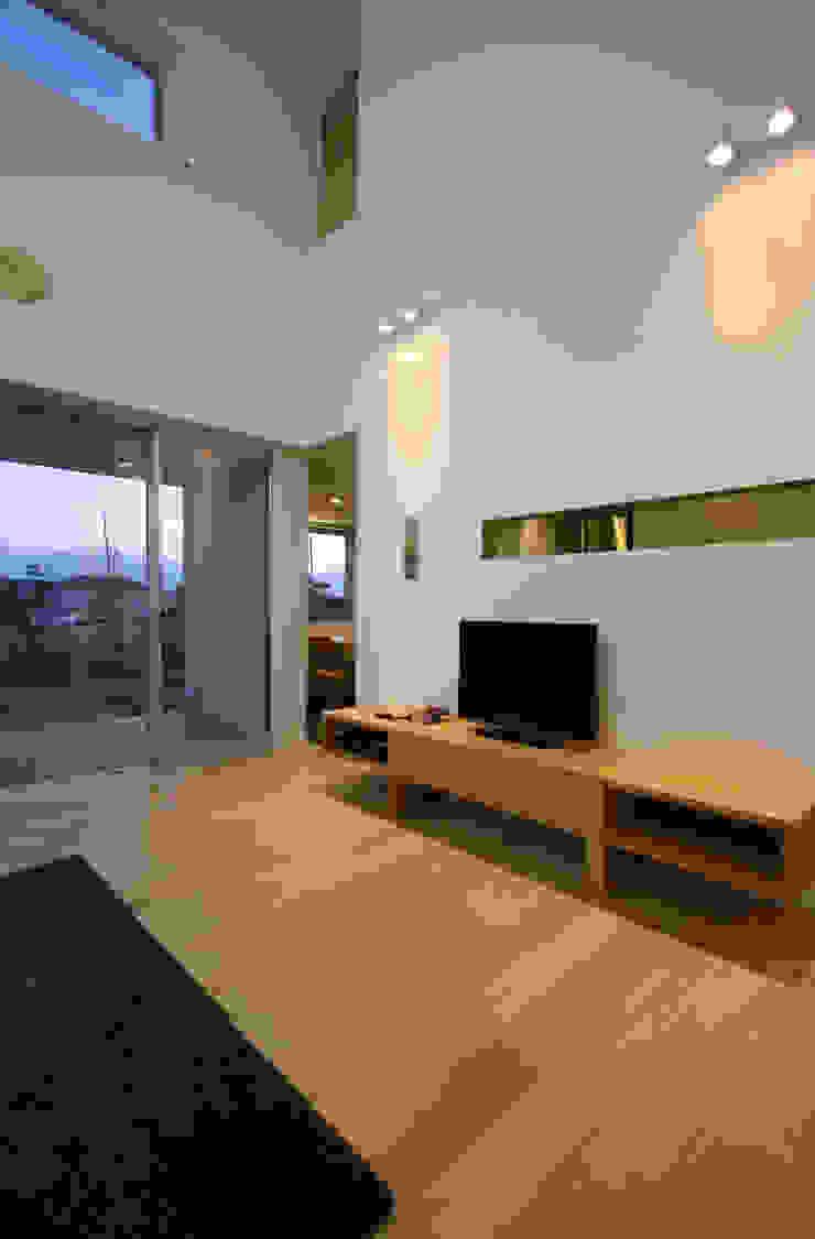 N-SOHO モダンデザインの リビング の 有限会社トレック建築設計室 一級建築士事務所 モダン