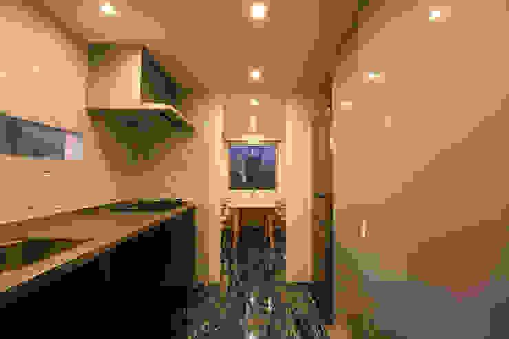N-SOHO モダンな キッチン の 有限会社トレック建築設計室 一級建築士事務所 モダン