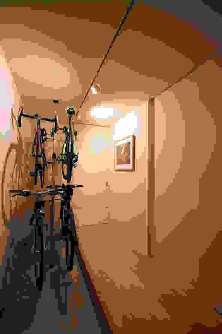 N-SOHO モダンスタイルの 玄関&廊下&階段 の 有限会社トレック建築設計室 一級建築士事務所 モダン