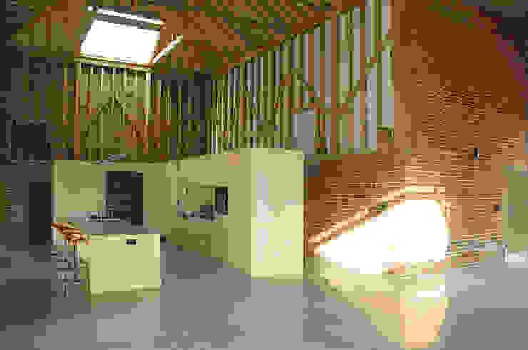 Church Hill Barn, Suffolk Modern kitchen by David Nossiter Architects Modern