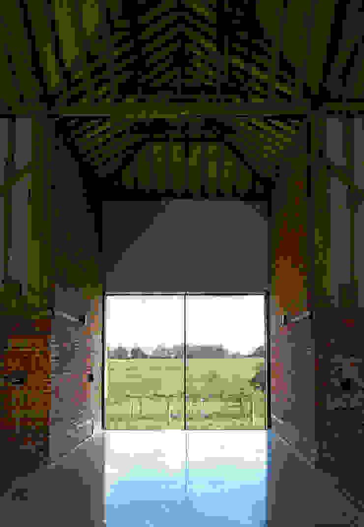 Church Hill Barn, Suffolk Modern windows & doors by David Nossiter Architects Modern