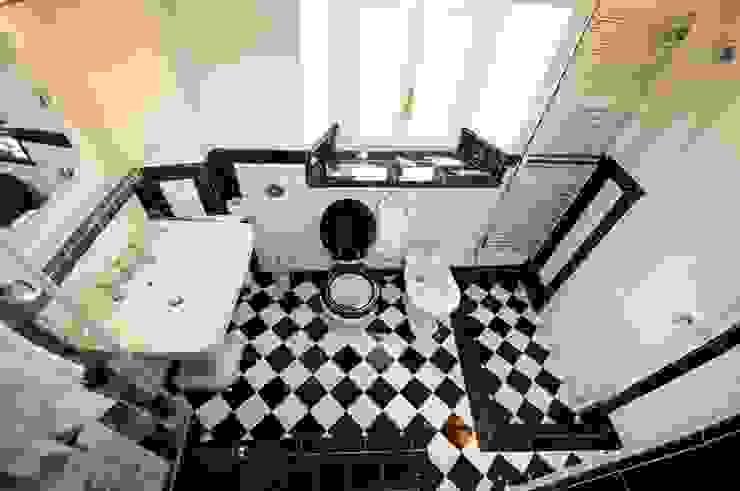 Progettazione e realizzazione bagno in appartamento a Firenze Bagno in stile classico di Riccardo Barthel Classico
