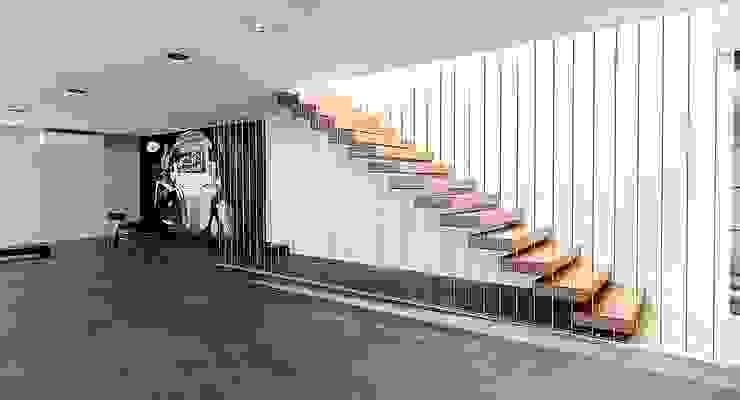 .NESS Reklam ve Fotoğrafçılık Modern Corridor, Hallway and Staircase