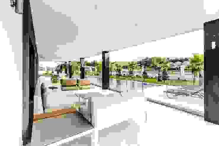 .NESS Reklam ve Fotoğrafçılık Modern balcony, veranda & terrace