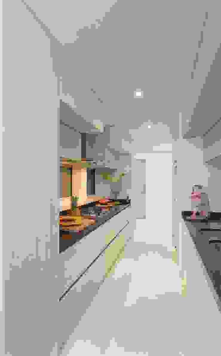 Casa Galeria Cocinas modernas de Giovanni Moreno Arquitectos Moderno