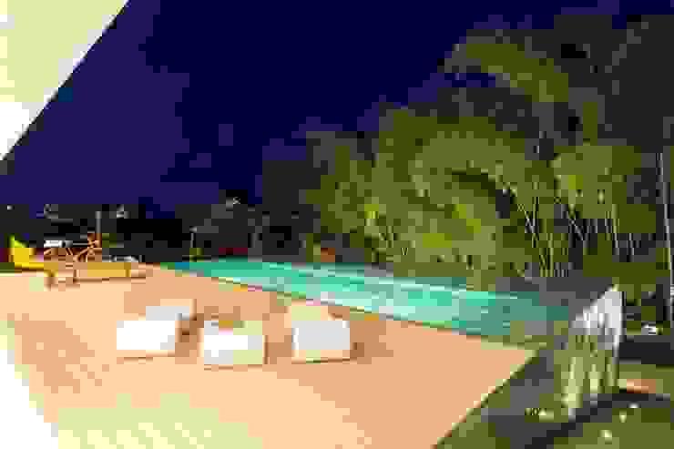 Casa Galeria: Piscinas de estilo  por Giovanni Moreno Arquitectos,