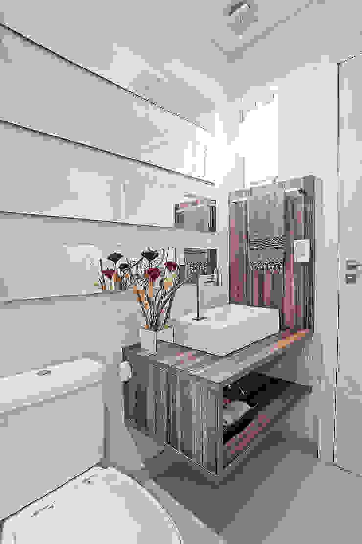 Moderne Badezimmer von Patrícia Azoni Arquitetura + Arte & Design Modern