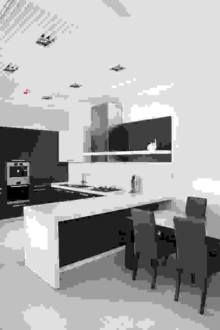 Minimalism Кухня в стиле минимализм от kvartalstudio Минимализм