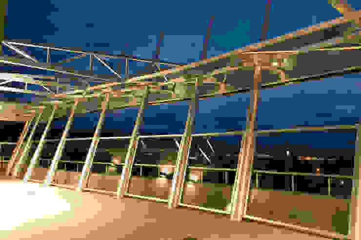 Moderne balkons, veranda's en terrassen van Brunzini Arquitectos & Asociados Modern