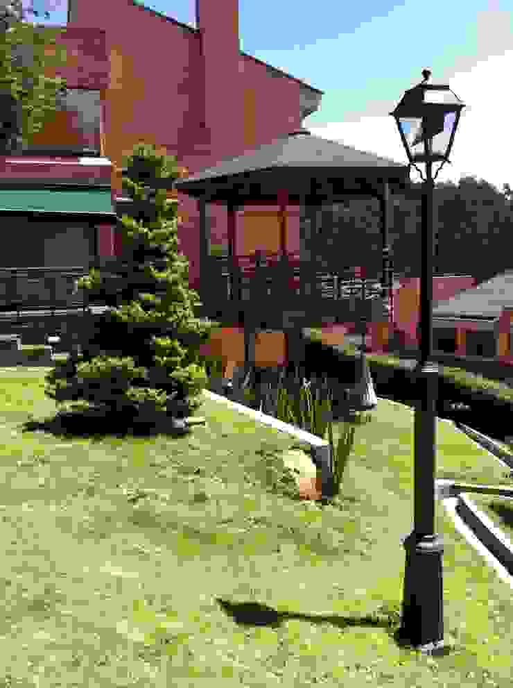 Gazzebo + Terrazas + Jardin B17 después de remoldeacion Casas de estilo minimalista de Vertice Oficina de Arquitectura Minimalista