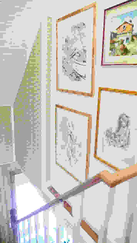 Escadas Corredores, halls e escadas campestres por LOFTAPM II DESIGN DEC INTERIORES LDA Campestre Papel