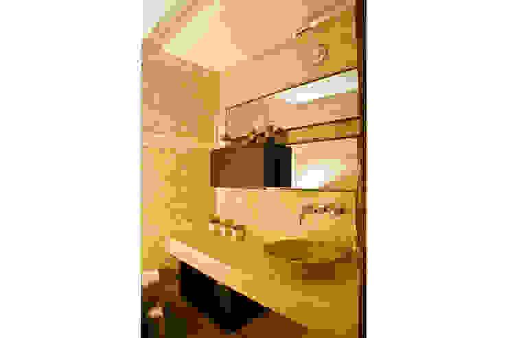 . Baños de estilo clásico de MORADA CENTRO DE DISEÑO S.A. Clásico