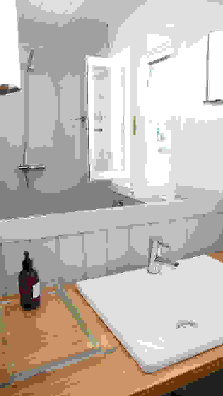 Casa de Banho Casas de banho campestres por LOFTAPM II DESIGN DEC INTERIORES LDA Campestre