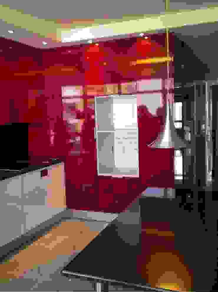 """Apartamento """"Avenida"""" Cozinhas modernas por ribau margaça _ arquitetura Moderno"""