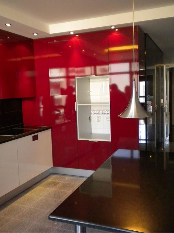 Modern Kitchen by ribau margaça _ arquitetura Modern