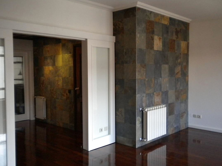 Apartamento <q>Avenida</q> Salas de estar modernas por ribau margaça _ arquitetura Moderno