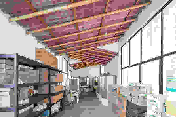 Centro de Producción de orgánicos Chilsec Cocinas rústicas de Komoni Arquitectos Rústico Bambú Verde