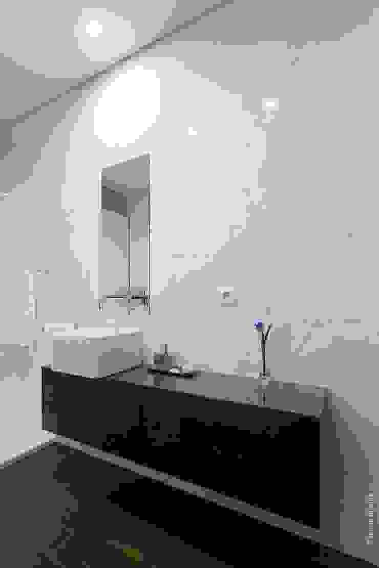 casa 116 Casas de banho modernas por bo | bruno oliveira, arquitectura Moderno Cerâmica