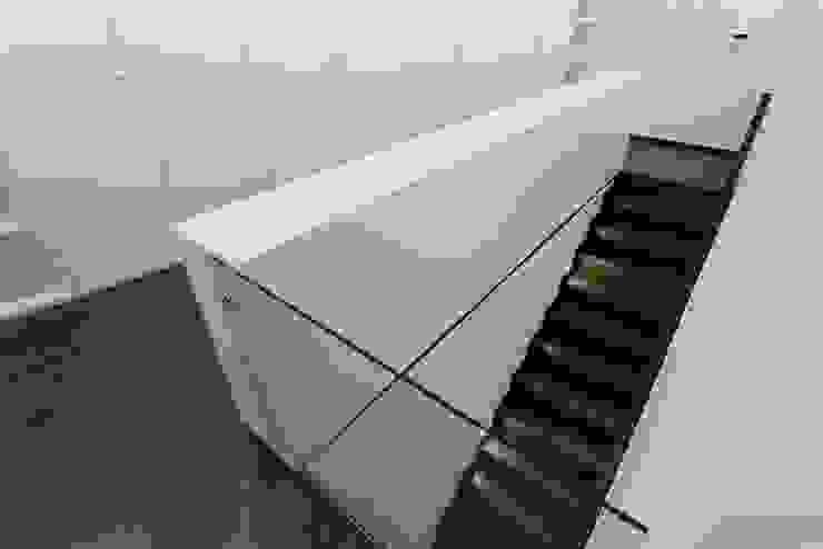 house 116 Pasillos, vestíbulos y escaleras modernos de bo | bruno oliveira, arquitectura Moderno Madera Acabado en madera