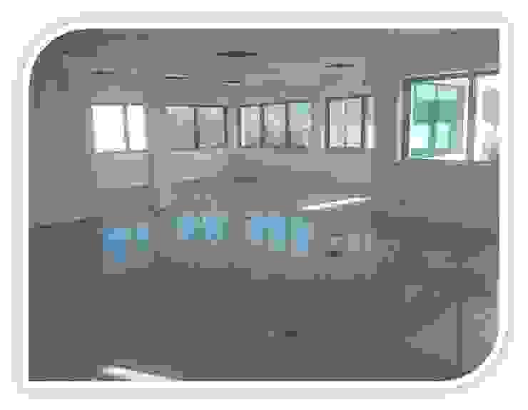 Revestimento de piso em Granito Salas de jantar modernas por BELGRAN, LDA Moderno