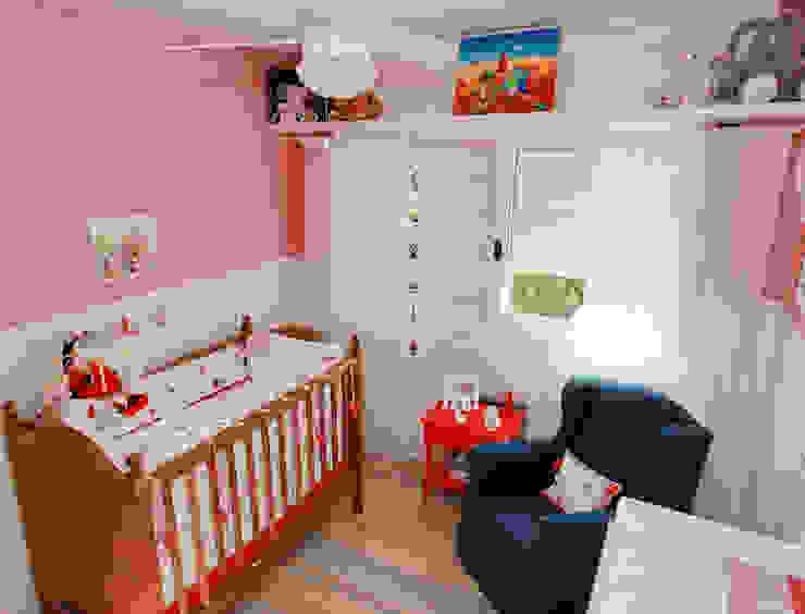 Детские комнаты в . Автор – Super StudioB, Рустикальный Хлопок Красный