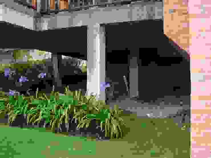 Gazzebo inferior B17 antes de remodelacion de Vertice Oficina de Arquitectura Minimalista