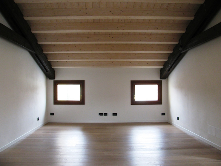Nuova sala pluiruso RBM ASSOCIATI Sala multimediale moderna