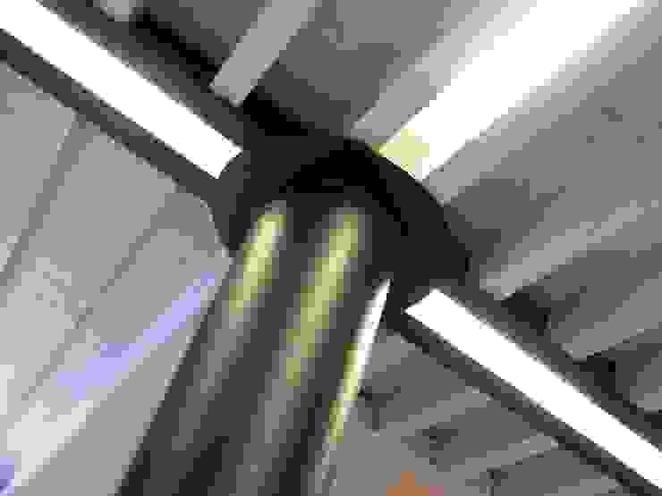 Luce RBM ASSOCIATI Soggiorno moderno Ferro / Acciaio