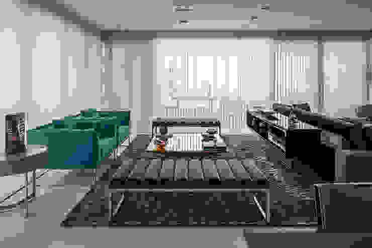 Living e Jantar Integrados com Home Theater por FV Moderno Sintético Castanho