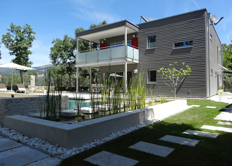 Construir con Baufritz Modern houses Wood Grey