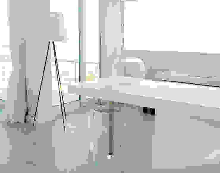 Modern Dining Room by Agence B Interior Modern