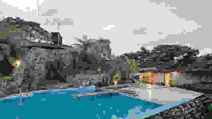 Pool by Komoni Arquitectos