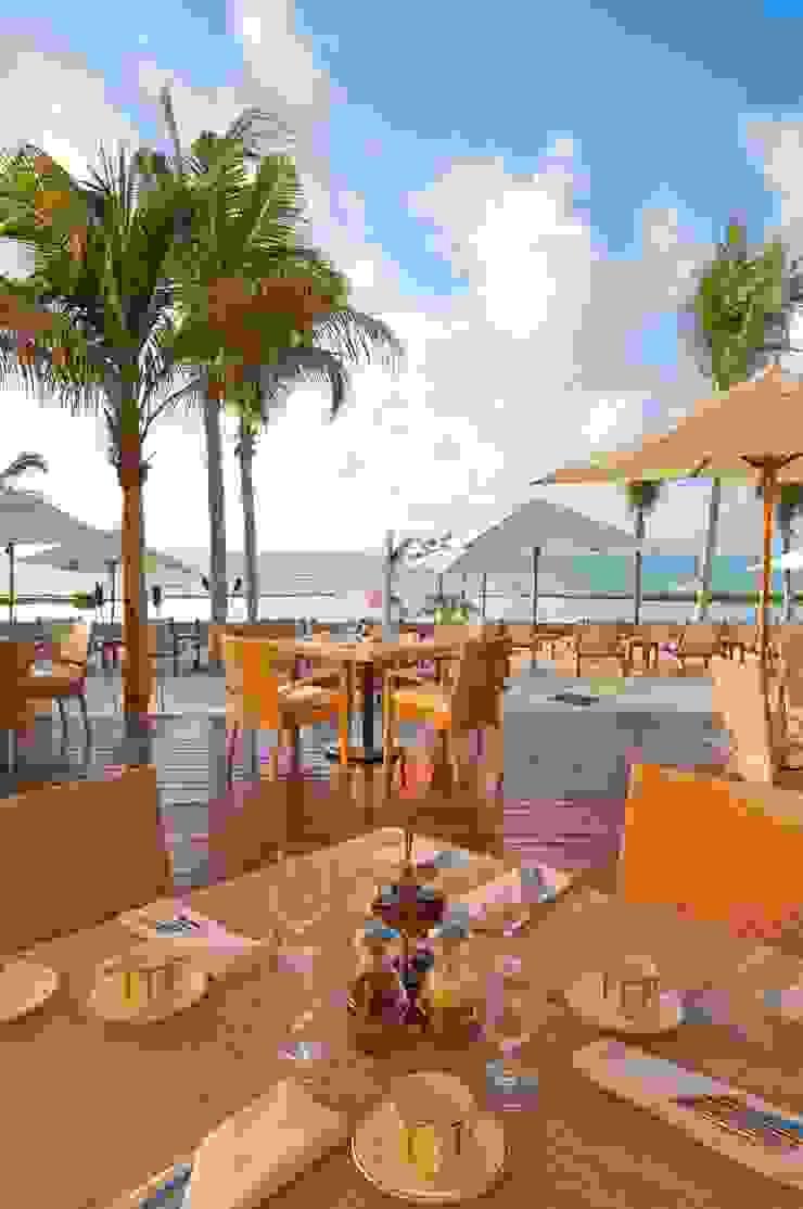Restaurante Bistro Comedores eclécticos de MC Design Ecléctico Madera maciza Multicolor