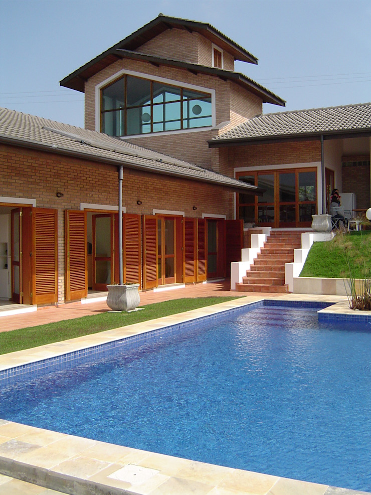 GATE Arquitetos Associados Rumah Gaya Rustic