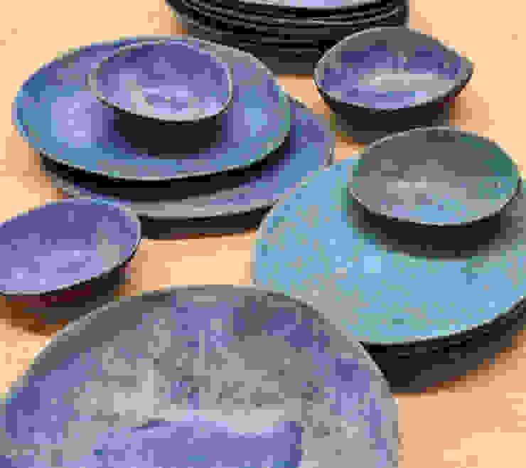 Platos turquesas y azul cobalto de Silvia Valentín Cerámica Minimalista Cerámica