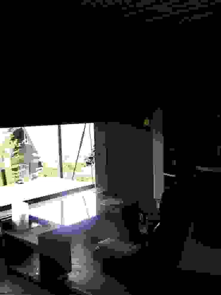 ガラスのない開口部 和風デザインの 書斎 の 樋口善信建築計画事務所 和風