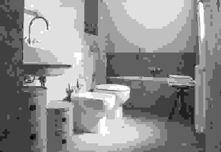 Bagno termale Bagno moderno di bottegaarchitettonica Moderno Pietra