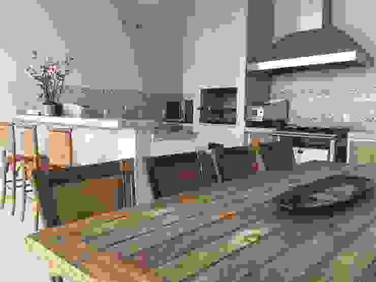 RESIDÊNCIA A | W Cozinhas clássicas por ALESSANDRA ORSI - Arquitetura + Interiores Clássico