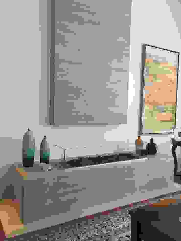 RESIDÊNCIA A | W Salas de estar clássicas por ALESSANDRA ORSI - Arquitetura + Interiores Clássico