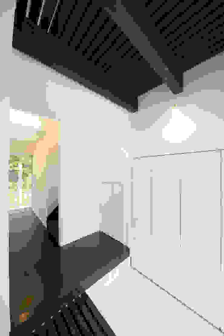 緑洞の家 玄関 の フォーレストデザイン一級建築士事務所
