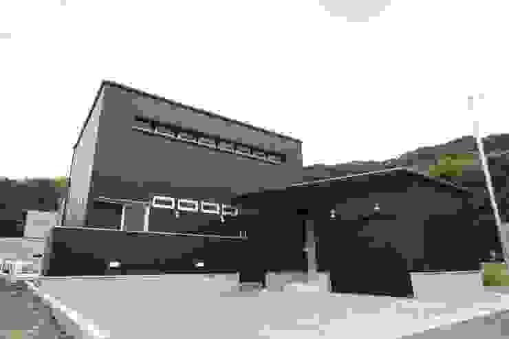 バイクガレージのある家 外観 の フォーレストデザイン一級建築士事務所