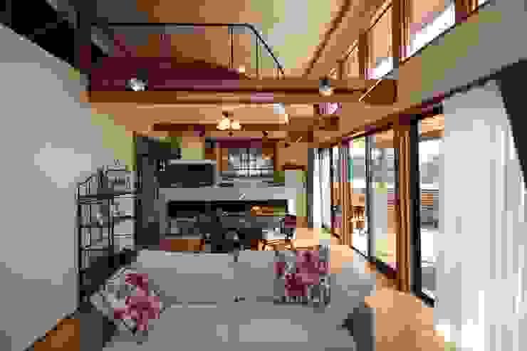 庭を楽しむ家 ラスティックデザインの リビング の 大出設計工房 OHDE ARCHITECT STUDIO ラスティック
