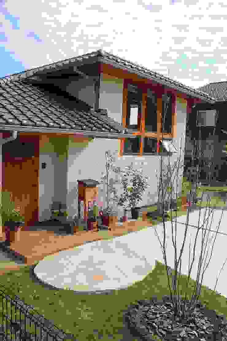 庭を楽しむ家 ラスティックな 家 の 大出設計工房 OHDE ARCHITECT STUDIO ラスティック