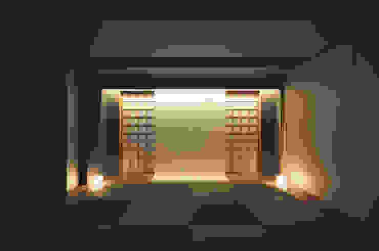 東花池の家 モダンデザインの 多目的室 の 株式会社 岡﨑建築設計室 モダン