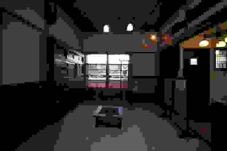骨董建具の家 クラシックデザインの 多目的室 の 大出設計工房 OHDE ARCHITECT STUDIO クラシック