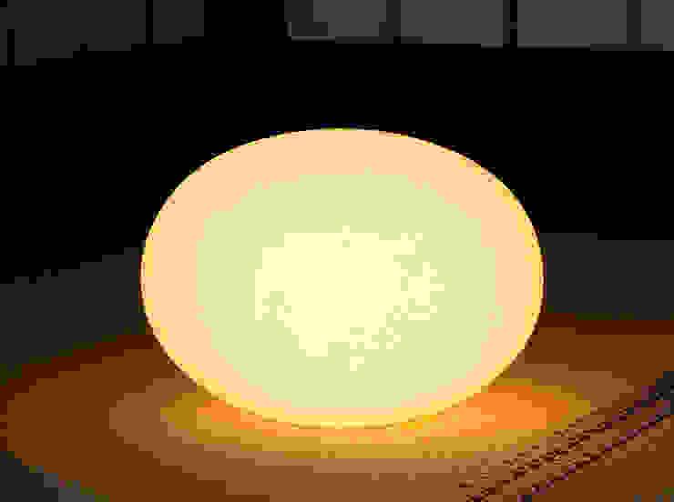 Moon-Tablestand(M): 谷口・青谷和紙株式会社が手掛けた折衷的なです。,オリジナル 紙
