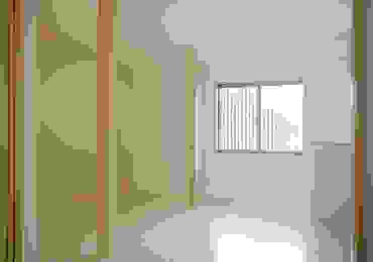 多目的室 モダンデザインの 多目的室 の 株式会社 岡﨑建築設計室 モダン
