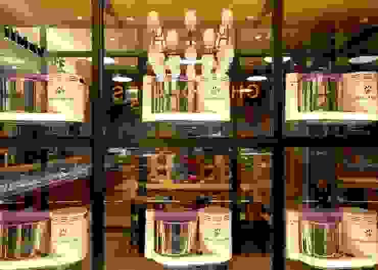 VANILLA BEANS みなとみらい本店 オリジナルな 窓&ドア の EMBODYDESIGN オリジナル