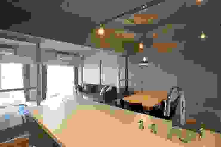 MSSH ラスティックデザインの キッチン の <DISPENSER>architects 小野修 一級建築士事務所 ラスティック