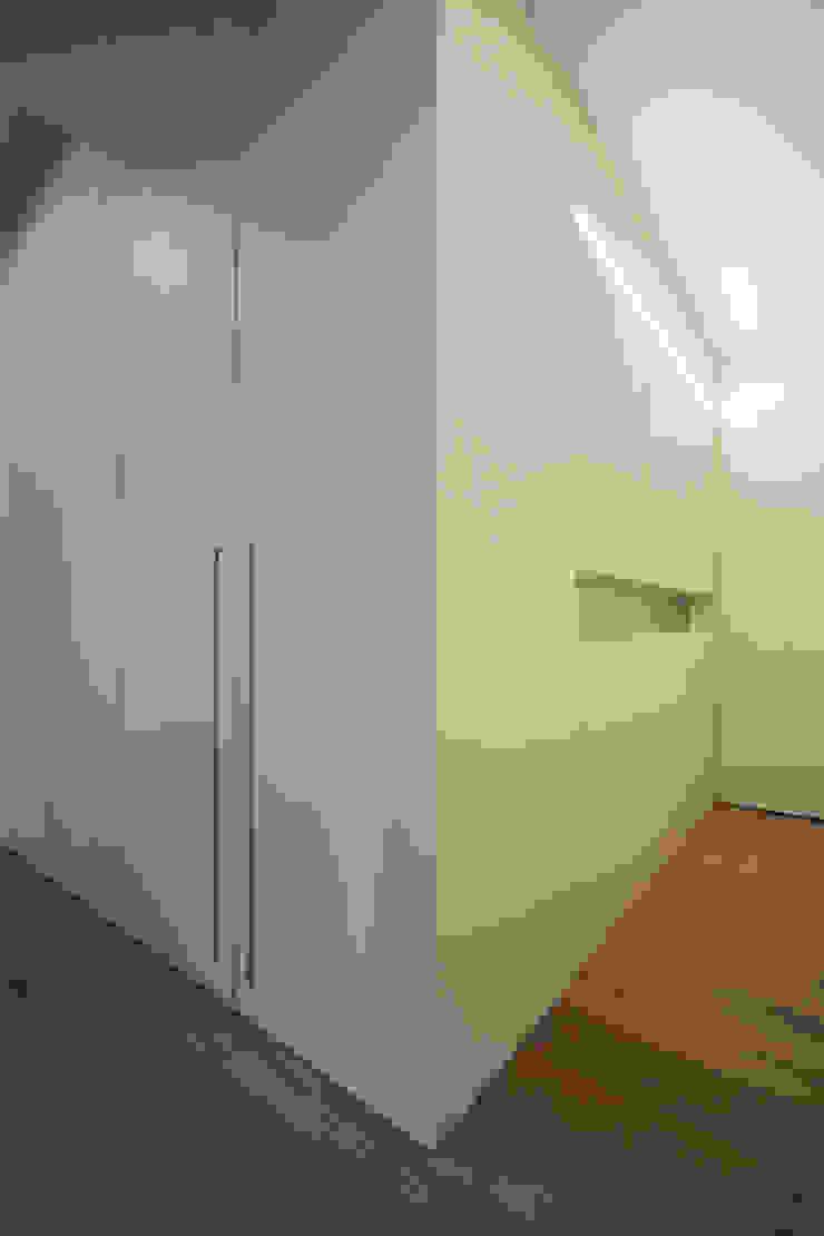 Progetti luigi bello architetto Modern corridor, hallway & stairs